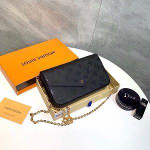 ❤️✨AUTHENTIC✨❤️ Pochette NEW Pochette 3 IN 1 SET SLING  BAG BLACK